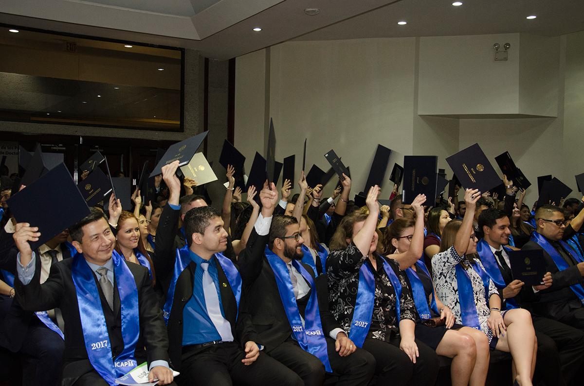 ICAP gradúa 100 nuevos profesionales en el Acto XLIII de Graduación