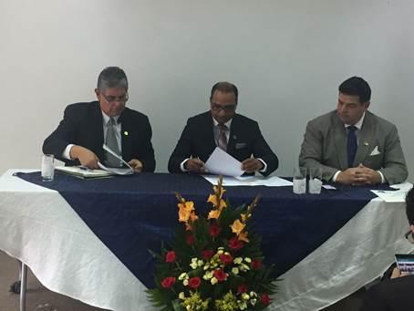 Se firma Convenio de Cooperación entre el ICAP y la Escuela de Gobierno de Guatemala