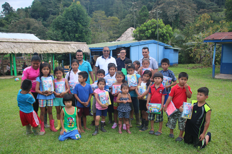 ICAP extendió su mano solidaria a niños de centros educativos de zonas marginales y en riesgo social