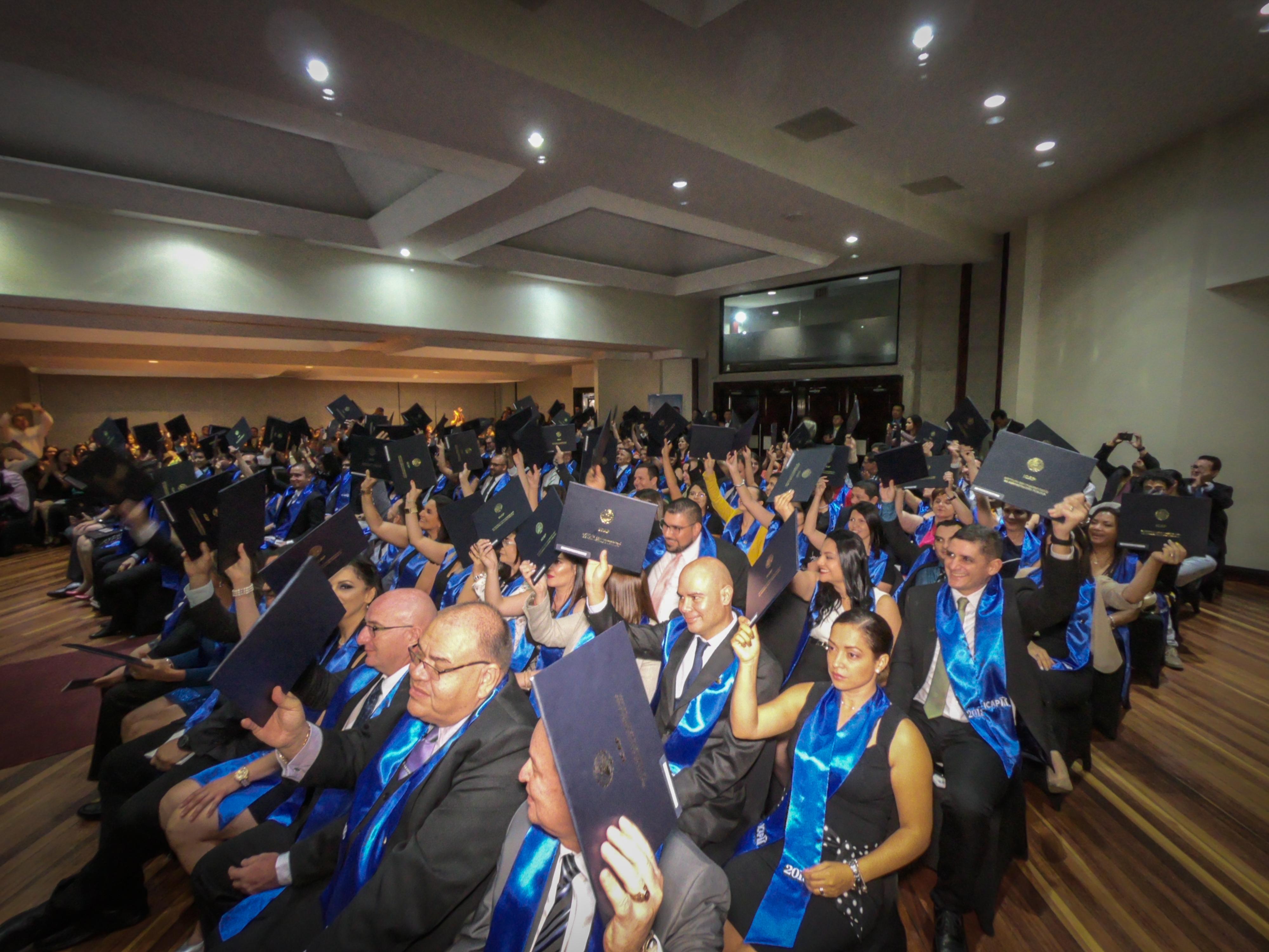 El ICAP graduó a más de 100 estudiantes en la XLIV Graduación de Programas de Posgrado