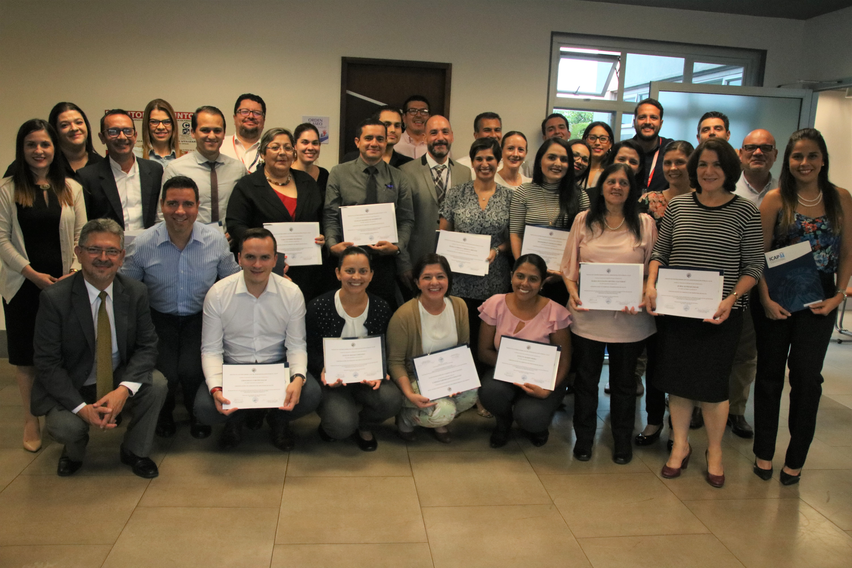 El ICAP certifica 48 funcionarios del INS en Gerencia de la Salud