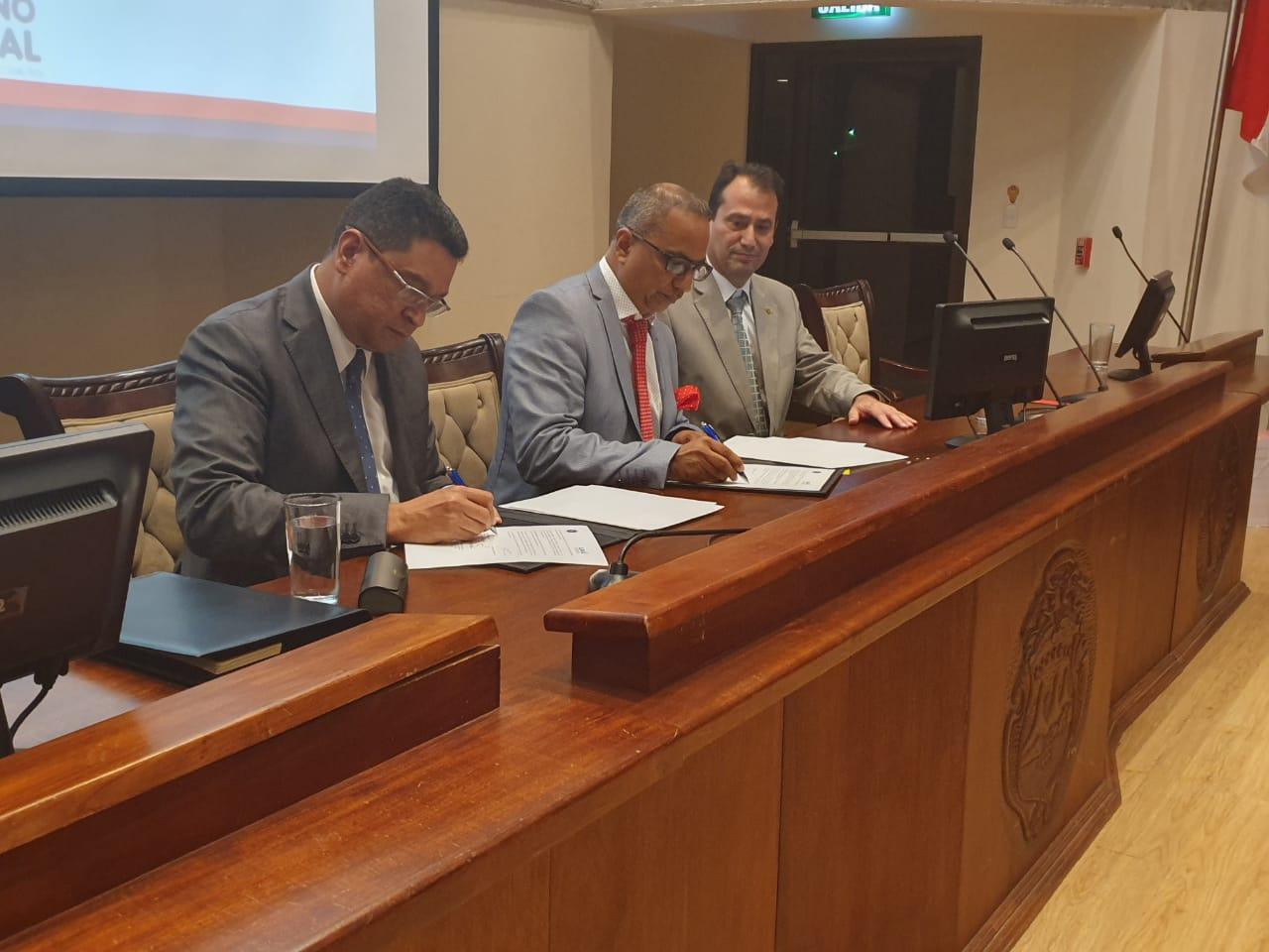 Firma de convenio de cooperación entre el ICAP y la Corte Centroamericana de Justicia