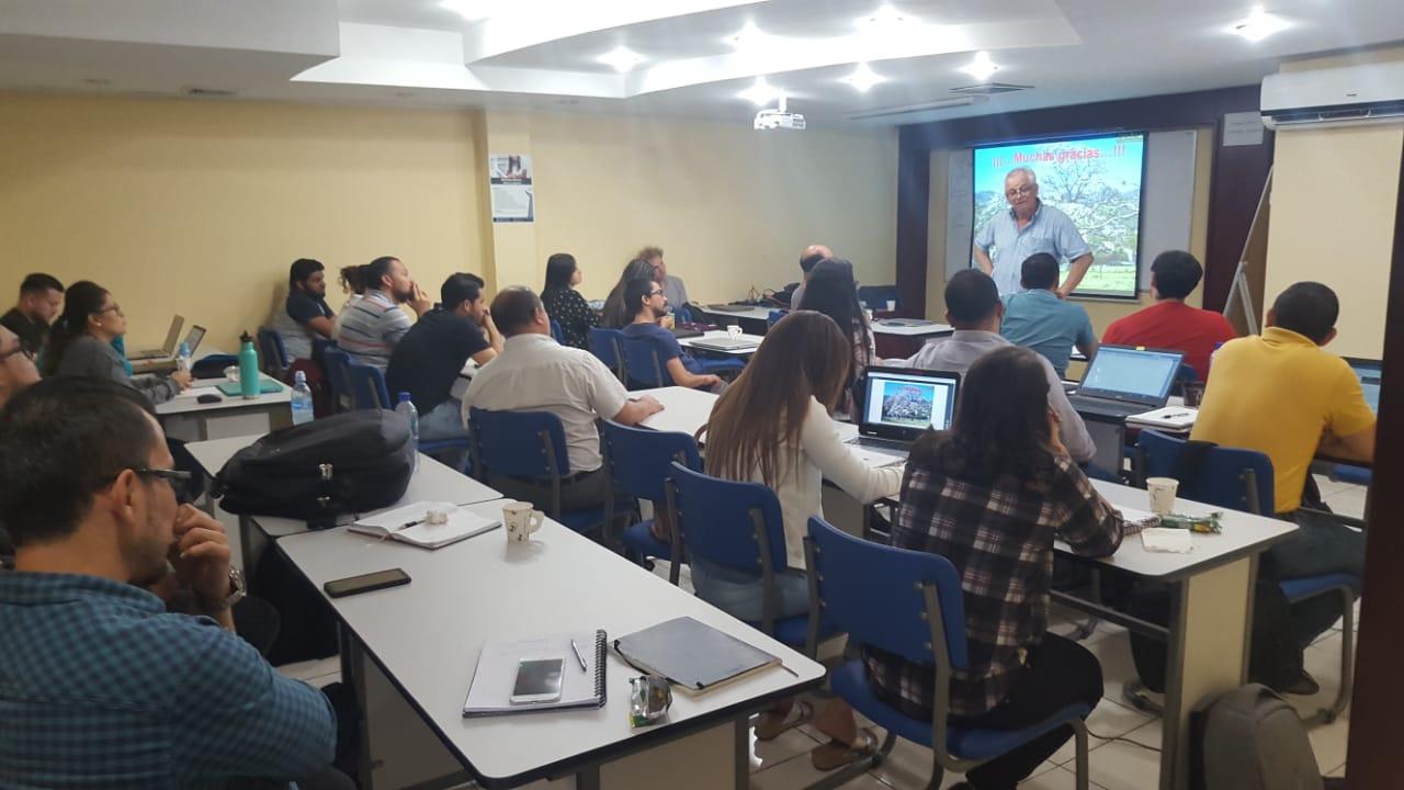 ICAP ofreció capacitación sobre cambio climático y descarbonización a estudiantes de la Mestría en Gerencia de Proyectos de Desarrollo
