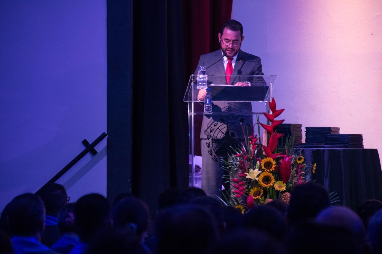 Presidente de la República de Guatemala, Jimmy Morales ofreció emotivo discurso en el XLV Acto de Graduación ICAP