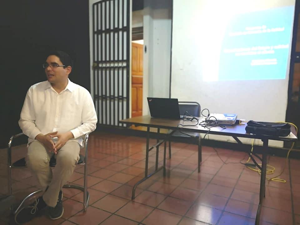 ICAP impartió la charla: Organizaciones Inteligentes y Calidad en el Servicio en Puntarenas