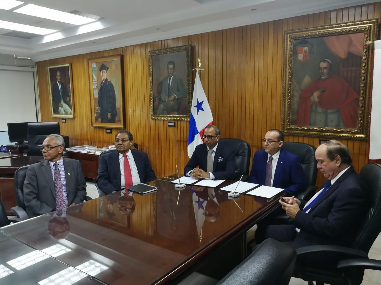 ICAP y Universidad de Panamá firman convenio de cooperación, para generar y difundir conocimientos