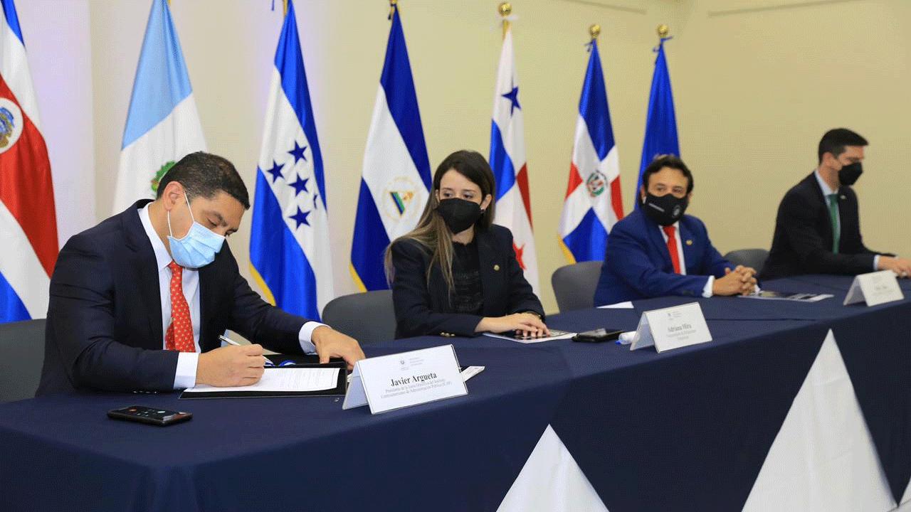 ICAP firma convenio de cooperación con IEESFORD del Ministerio de Relaciones Exteriores de El Salvador